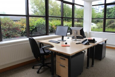 A beautiful office for 2 people fully equipped